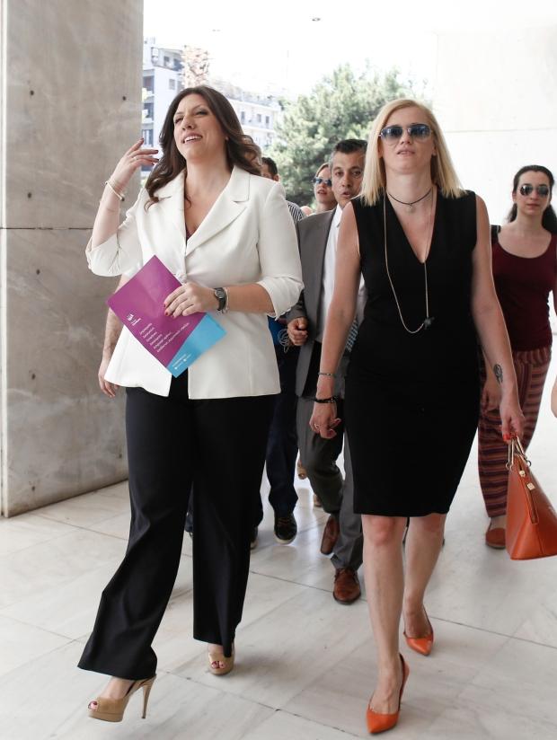 Κατάθεση της ιδρυτικής διακήρυξης της Πλεύσης Ελευθερίας από την Ζωή Κωνσταντοπούλου στον Άρειο Πάγο, Αθήνα, 5 Ιουλίου 2016.