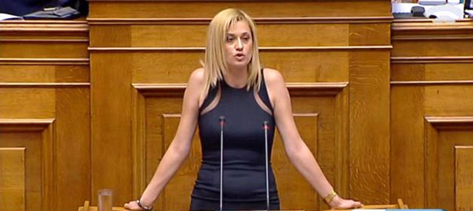 Ραχήλ Μακρή: «Το νομοσχέδιο για την αλλαγή φύλου πέρασε, επειδή απείχαν βουλευτές από την ψηφοφορία» | 14.10.2017